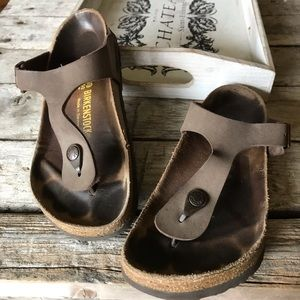 Birkenstock gizeh in brown leather. Used cond. 39